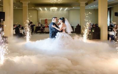Холодні фонтани на весілля