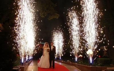 Холодні вогні на весілля