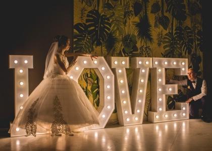 Лед літери на весілля